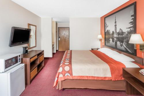 Super 8 Motel Washington Peoria Area Hotel