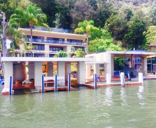 Boat House on Hawkesbury