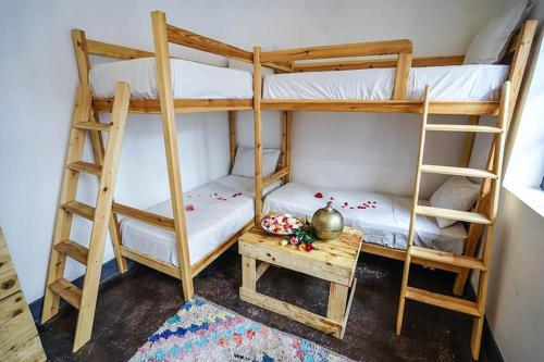 Bett in 8-Bett Schlafsaal (Bed in 8-Bed Dormitory Room)