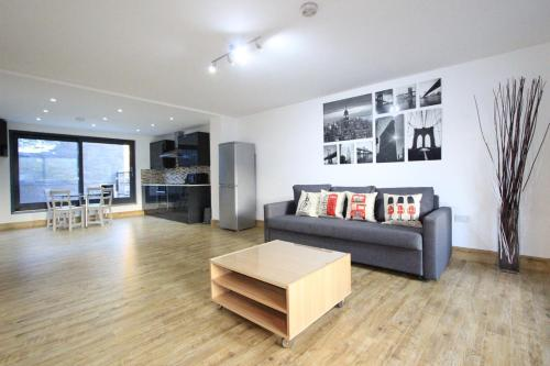 Best Price On Edgware Road Apartments Marble Arch
