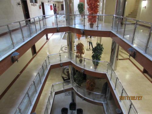 HotelRawabi Green Palace