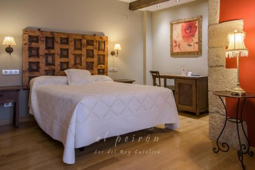 Superior Double or Twin Room El Peiron 6