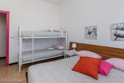 A-HOTEL.com - Soggiorno Sole, Bed & Breakfast, Varazze, Italia ...