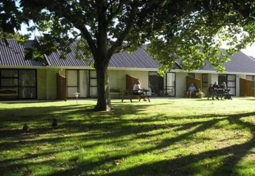 Awatea Park Motel | New Zealand Budget Hotels