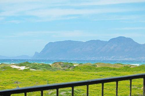 Whale Watchers Luxury Self Catering Accommodation @ Muizenberg East Beach