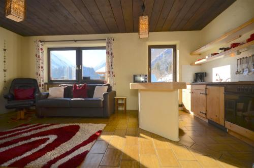 Haus Kitzsteinhorn 8 by Alpen Apartments - 2