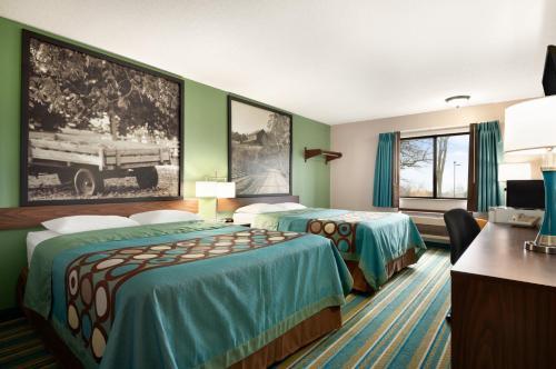Super 8 Rantoul Hotel