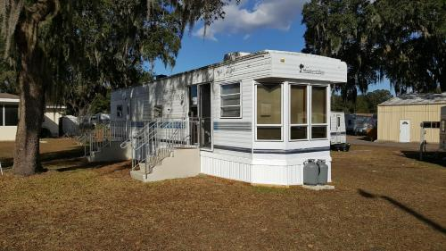 Sunshine Village Florida - Mobile Home Rv Resort