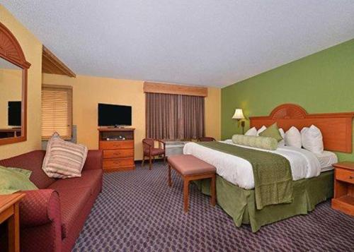 ➦  Choice Hotels    (Iowa) customer rating