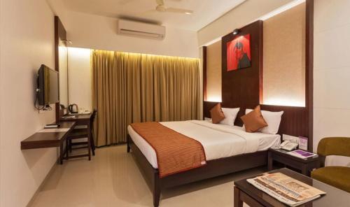 Vista Rooms At Kadamwadi Road