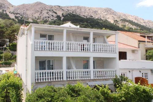Apartments Keleminec