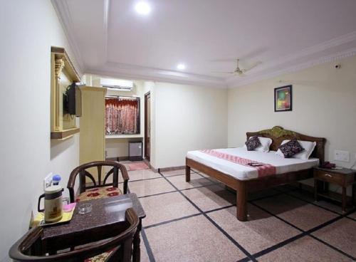 Hotel Adithya Central