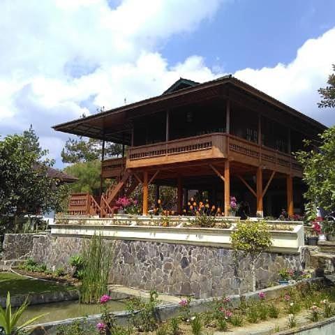 Ciwidey Villa Kaca Kaca