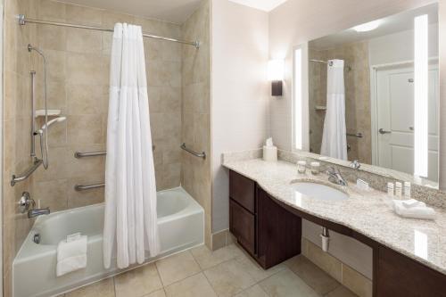Homewood Suites By Hilton El Paso Airport Hotel