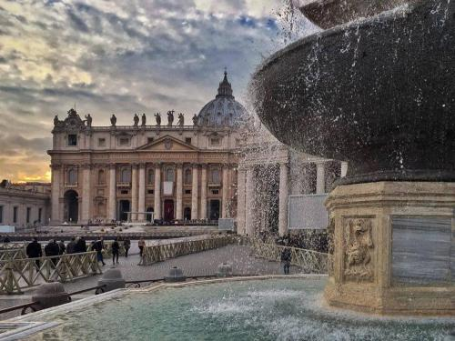 Lets Go In Rome Customer Reviews Via Alessandro Iii 5 Map Hotel Within 1 Km Of Vatican Gardens City