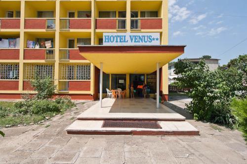 Hotel Venus front view