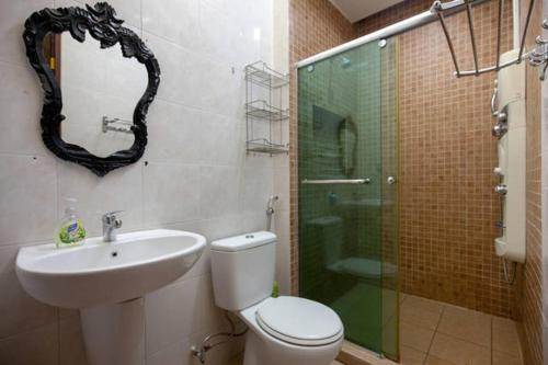 Bathroom Comfortable & Cozy 3 Sty Homestay