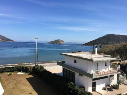 Aparment 10m away from the sea - Porto Rafti