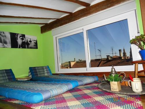Loft terraza laurel book online bed breakfast europe - Bed and breakfast logrono ...