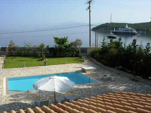 Avlaki Beachfront Villa