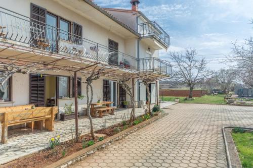 Apartment Velenik