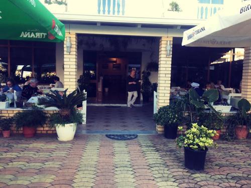 Hotel Miraxhi 2