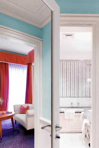 Property Image#59 J.K. Place Capri