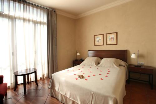 Double or Twin Room Bremon 1