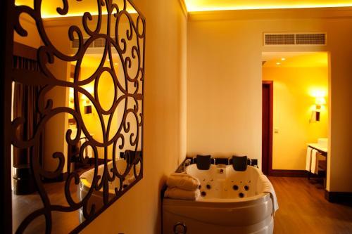 Suite Hotel Spa Martín el Humano 3