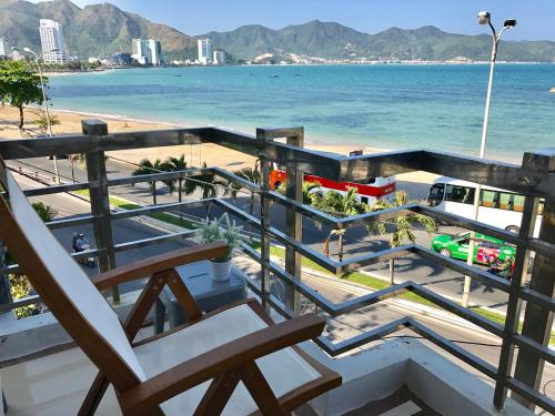 HotelVivid Seaside Homestay