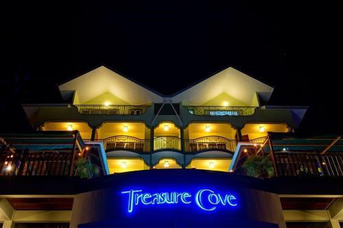 Treasure Cove Hotel & Restaurant, Бель-Омбр