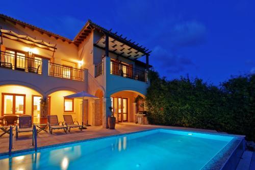 Villa Iremos - TH02