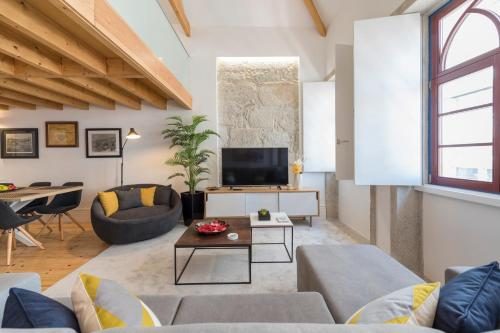 LovelyStay-Modern Loft City Center