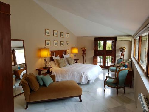 Suite Familiar (3 adultos) Palacio del Cobertizo de Santa Ines 9