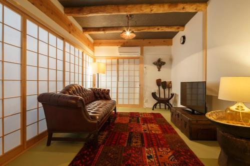 3 Star Hotel Deals Near Kyoto Station Osaka Art Stay In Toji Machiya