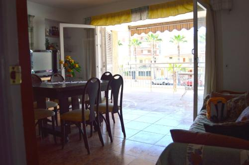 Hotel Apartment By The Sea - Torrevieja