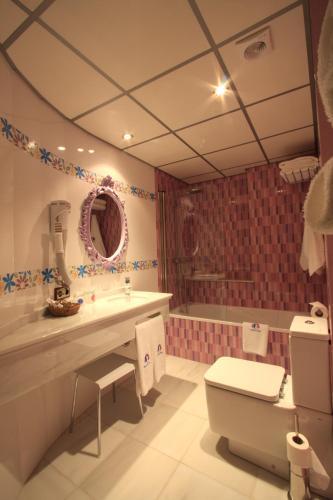 Habitación Doble - 1 o 2 camas - Uso individual Casa Baños de la Villa 1