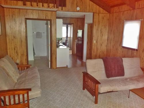 Carolina Landing Camping Resort Three-bedroom Cabin 2