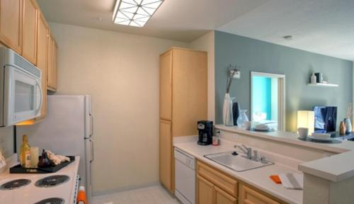One-Bedroom Apartment Avalon Silicon Valley C