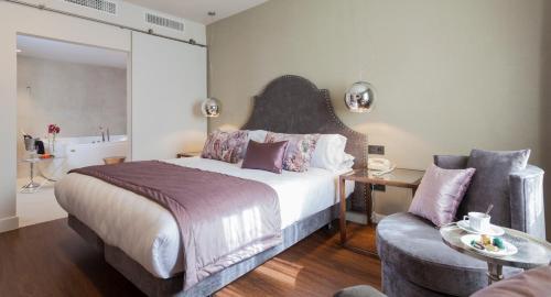 Habitación Doble Deluxe con jacuzzi® Hotel Palacete de Alamos 2