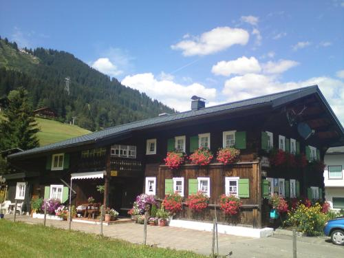 Schusterhof (Bed and Breakfast)