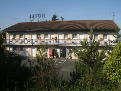 Отель Riv'Hotel 2 звезды Франция