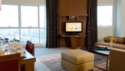 Grand Millennium Al Wahda Hotel Apartment photo 18
