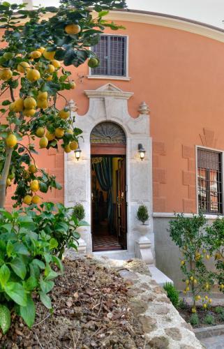 Antica Dimora Contessa Arrivabene  Rome  Italy Overview
