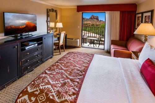 Best Western Plus Arroyo Roble Hotel & Creekside Villas