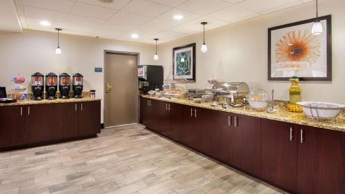 Best Western Plus Chicagoland Countryside Hotel