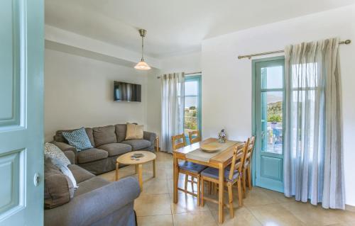 Avrofilito Syros Houses