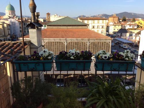 Terrazza su Sant\'Ambrogio a Firenze in Italy