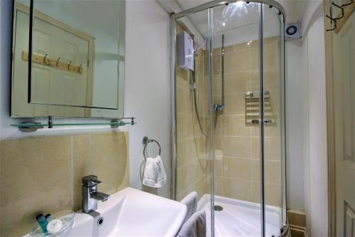 Kandy Double Room with Private Bathroom