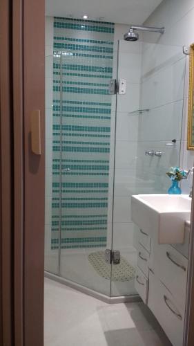 Amplo 2 quartos Posto 6 Ipanema Copabana e Arpoador